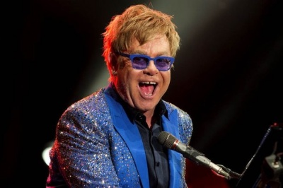 Elton John-Can You Pass This Ludicrously Posh Pub Quiz?