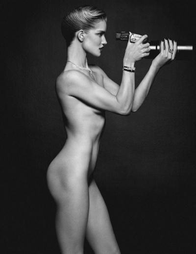 Rosie Huntington-Whiteley Nude Pics
