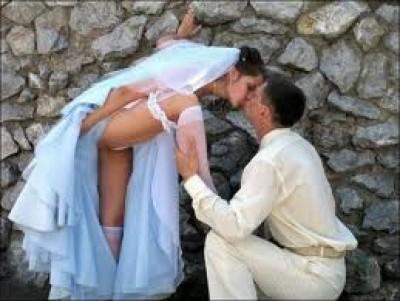 Wedding Kiss like a dog?