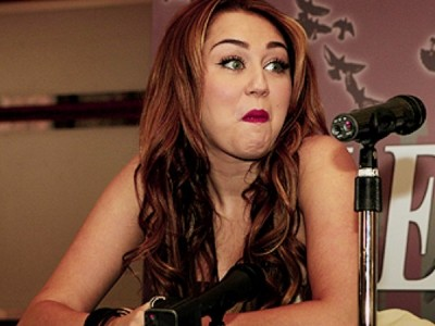 Stupidest faces our favorite celebrities make