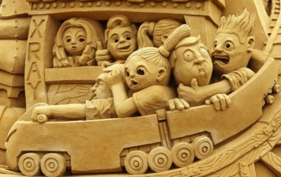 Most Bizarre sand art sculptures